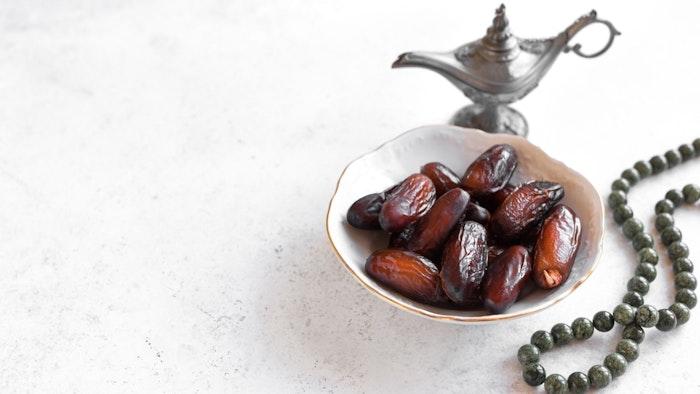Dates to break the fast during Ramadan