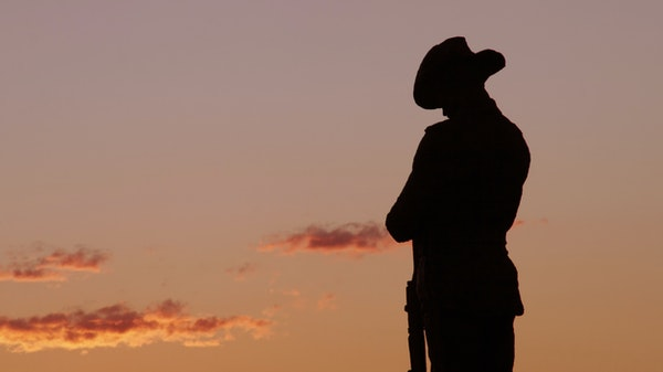 This ANZAC Day Light Up The Dawn